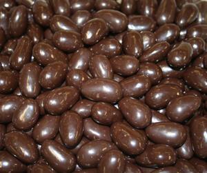 Chokladöverdragen mandel