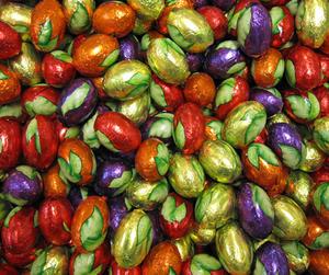 Chokladägg med mörk choklad och nougatcrisp